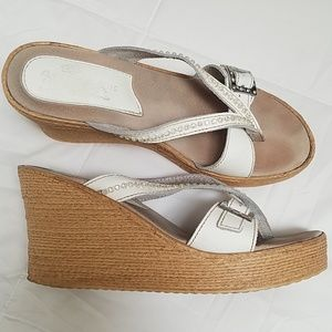 Neutral wedge by Sbicca